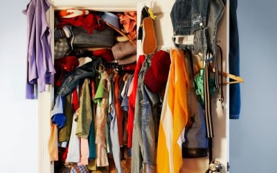 Steps to Clean Out Your Cluttered Closet